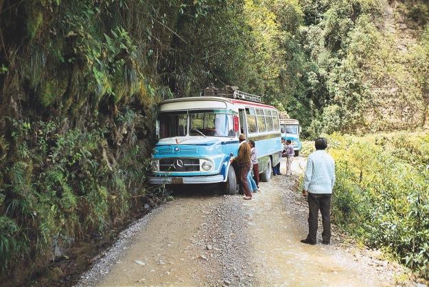 mit dem Bus auf der Todesstrasse in Bolivien
