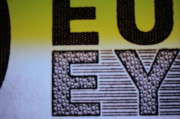 Euro Geldschein stark  vergrößert