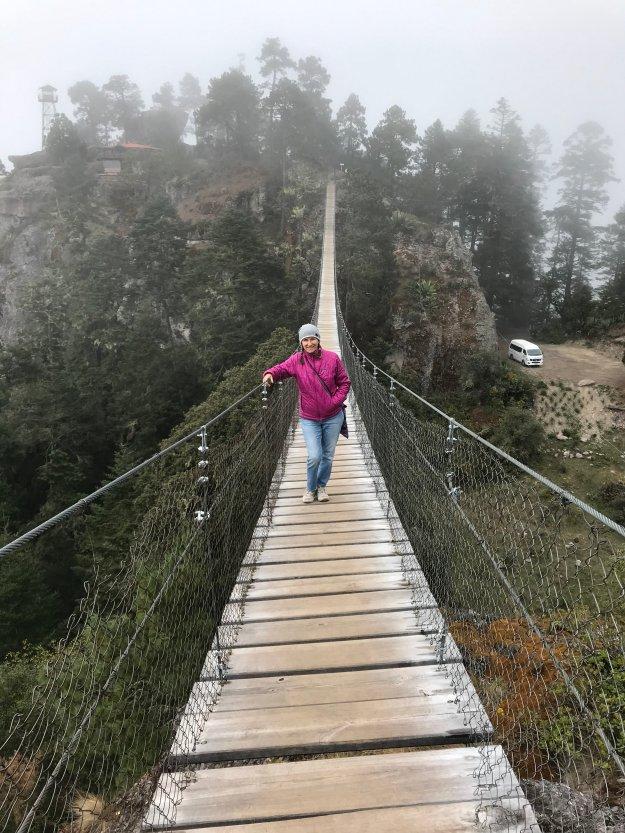 Hängebrücke in der Sierra Norte