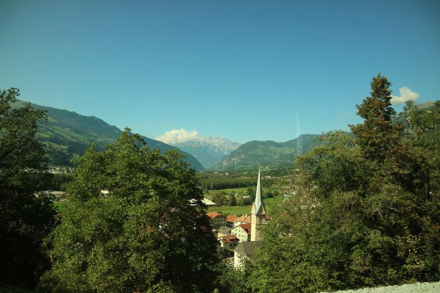 mit der Bahn durch die Schweiz